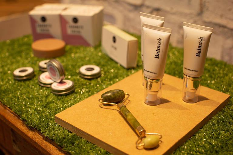 Cosméticos sustentáveis ganham impulso com maquiagens